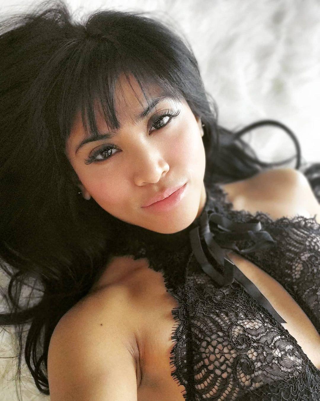 Cam girl Caucasian